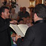 Joaquin Torrecillas dirigiendo la OCAL y Coro Virgen del Mar